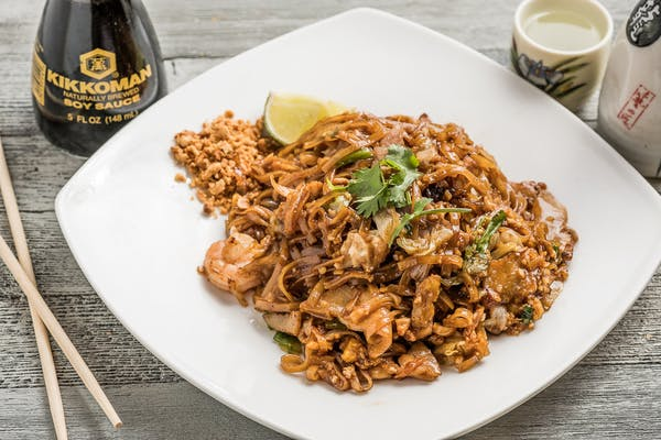 Combination Pad Thai