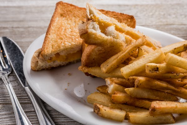 Kid's Grilled Cheese & Fries