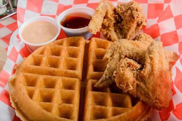 Fried Chicken Wings & Waffle