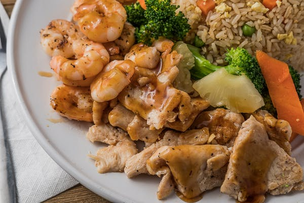 L5. Hibachi Chicken & Shrimp Entrée