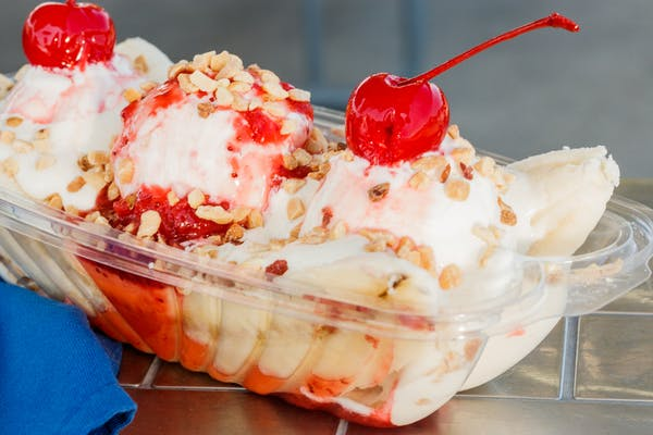 Old-Fashioned Banana Split