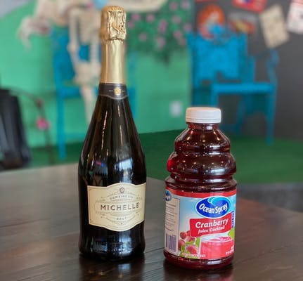 Poinsettia Kit (Champagne & Cranberry)
