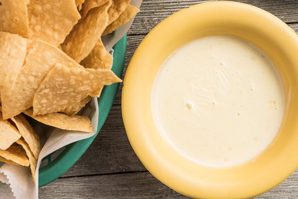Queso Dip & Tortilla Chips
