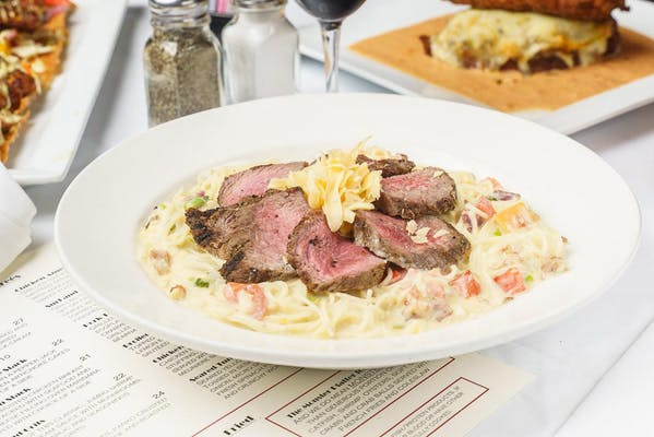 Steak & Smoked Gouda Alfredo