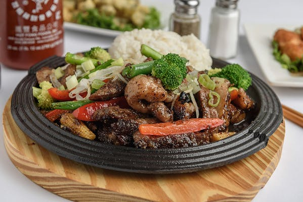 Stir Fried Ribeye with Asparagus Sizzling Plate