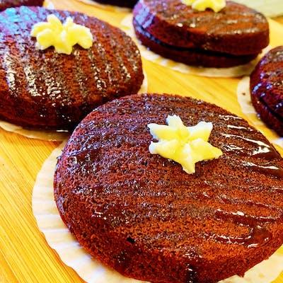 Salted Caramel Brownie Whoopie Pie