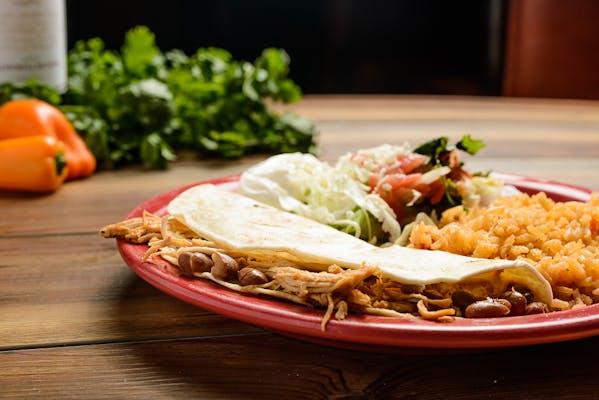 Lunch Quesadilla Mexicana