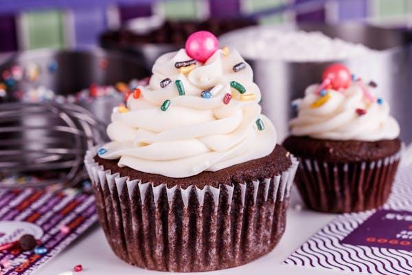 Chocolate Cream Cheese Cupcake