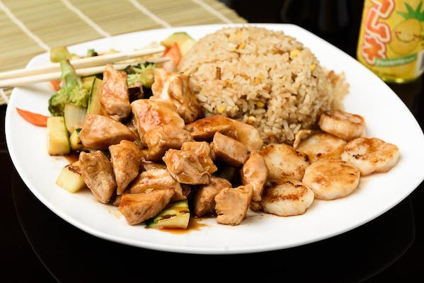 H10. Chicken & Scallop Hibachi Dinner