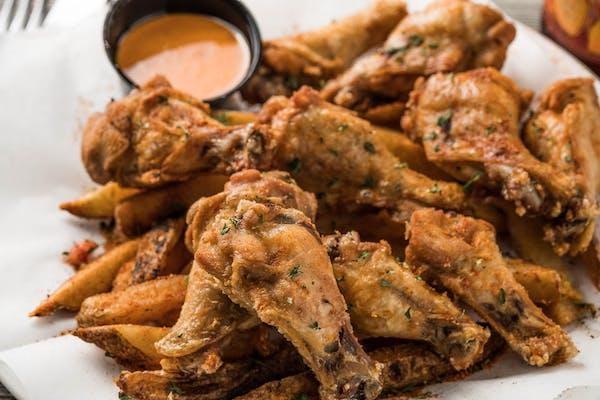 Cajun Dry Rub Chicken Wings Dinner (10 wings)