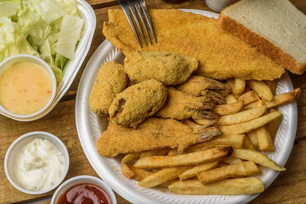 Fried Shrimp, Fish & Oysters Platter