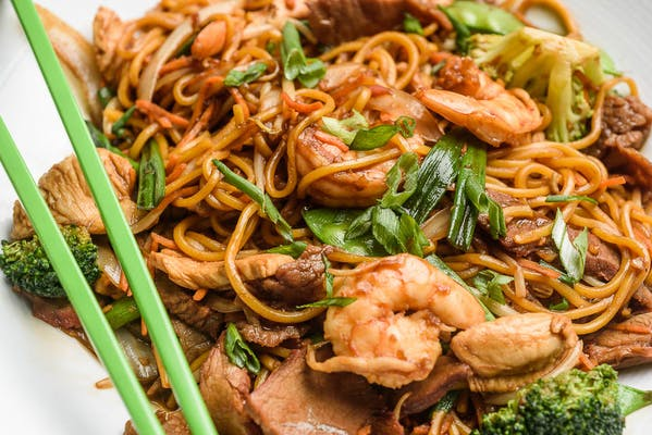 Stir-Fried Lo Mein Noodles