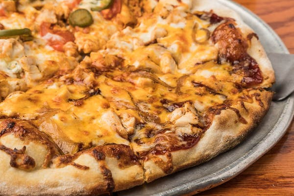 LeLe's BBQ Chicken Pizza