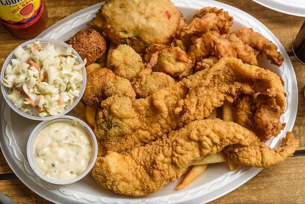 Fried Seafood Platter Dinner