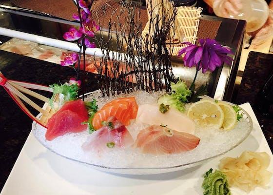 L4. Sushi & Sashimi Combo