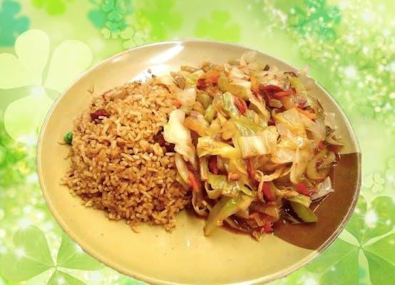 A12. Chicken or Roast Pork Chow Mein