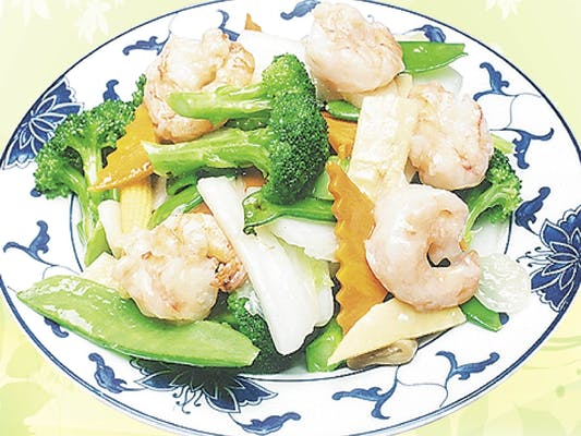 D6. Steamed Shrimp with Mixed Vegetables