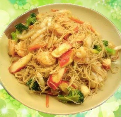 48. Seafood Chow Mein Fun
