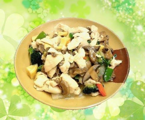 89. Moo Goo Gai Pan with White Sauce