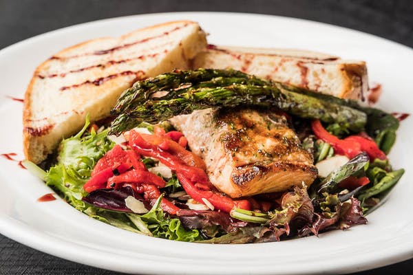 Grilled Salmon & Asparagus Salad