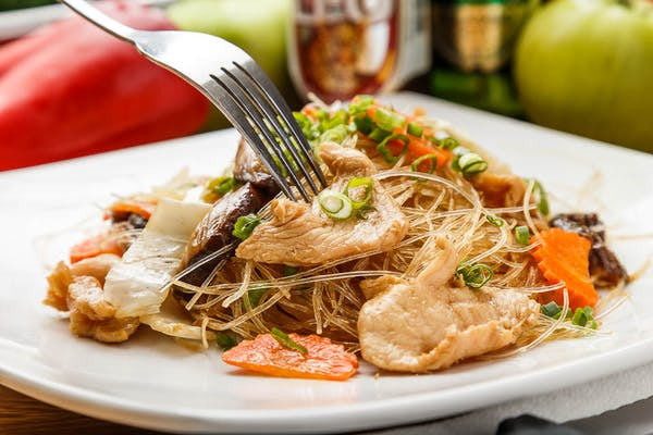 Glass Noodle Chicken Stir Fry (Pad Woon Sen)