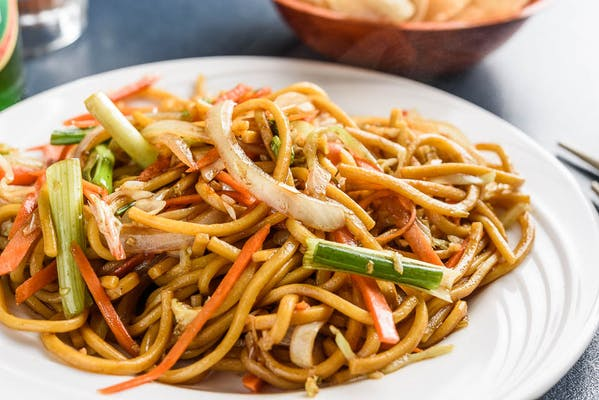 LM6. Vegetable Lo Mein