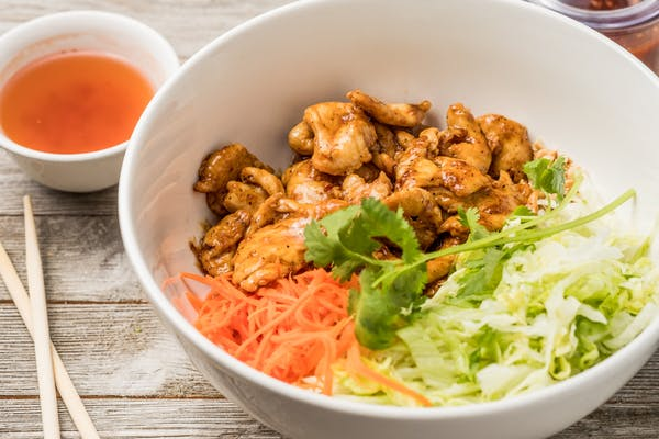 21. Stir-Fry Chicken in Lemongrass Sauce Vermicelli