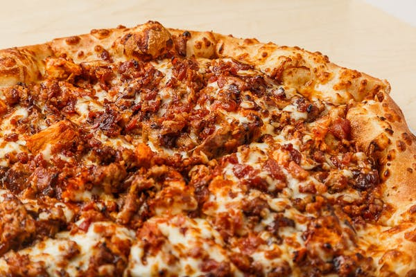 Super Bar-B-Q Pizza