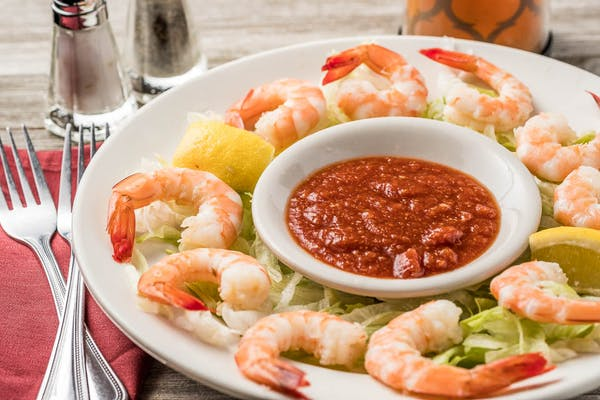 Spicy Chilled Shrimp with Cocktail Sauce