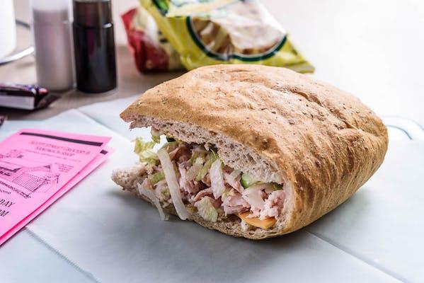 Low-Fat Smoked Turkey Sandwich