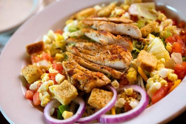 """Traditional Big """"A"""" Salad"""