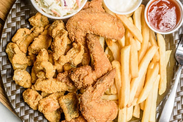 Catfish Nuggets & Wings Combo