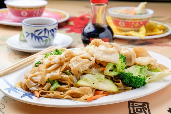 Hong Kong Chicken Chow Fan Noodles