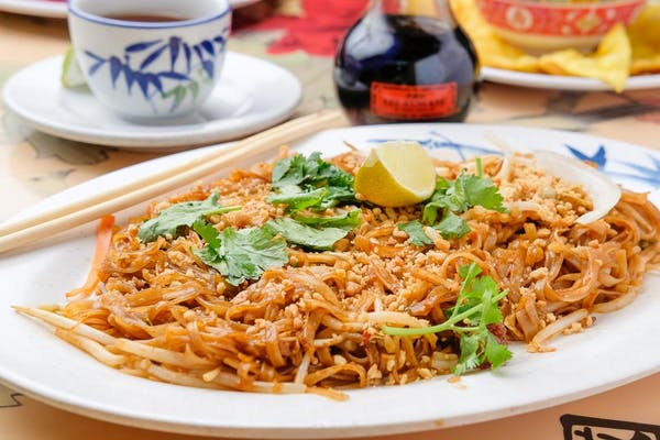 Pad Thai (Stir-Fried Noodles & Peanuts)