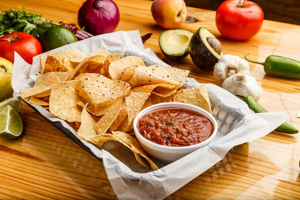 House Salsa & Chips
