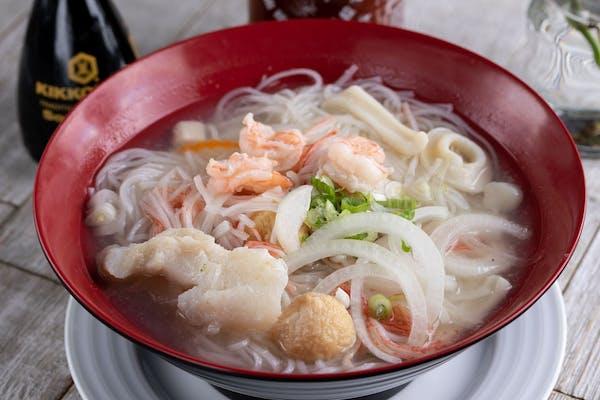 P12. Seafood Pho