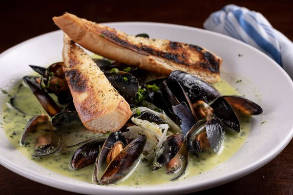 Chardonnay Mussels
