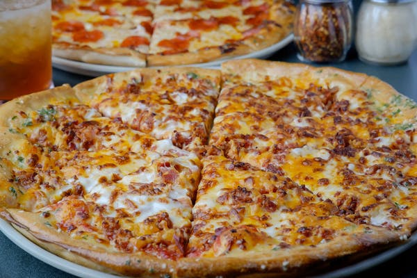 Bacon & Cheddar Pizza