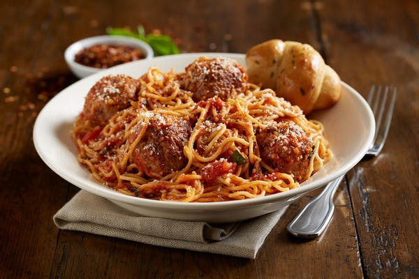 Jumbo Spaghetti And Meatballs