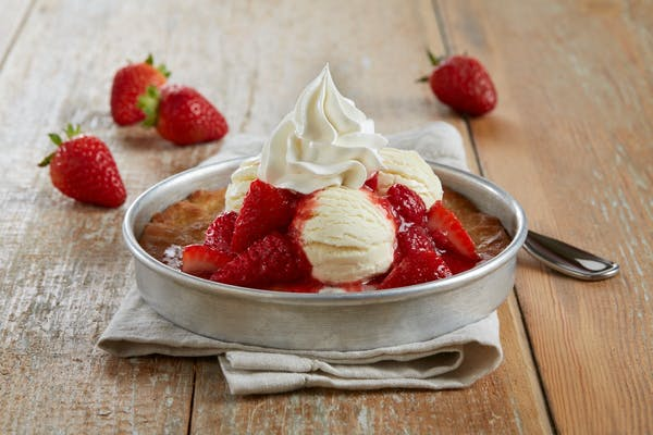 Strawberry Shortcake Pizookie®