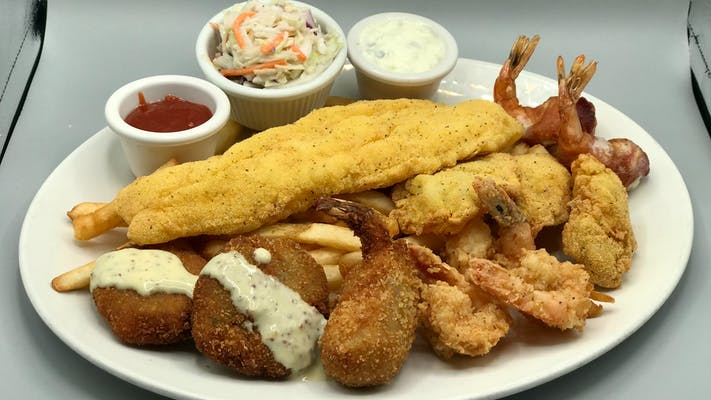 Fisherman's Wharf Fried Seafood Platter