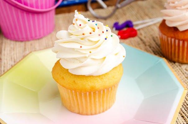 Vanilla Birthday Cake Cupcake