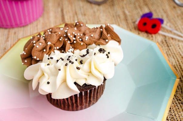 Day N' Night Cupcake