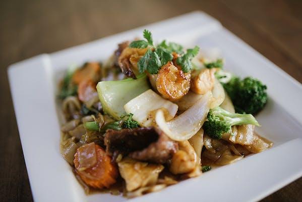 Basil Flat Rice Noodles