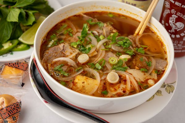 P14 Spicy Lemongrass Beef Noodle Soup