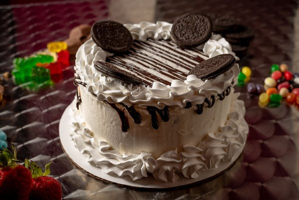 Classic Cookies 'N' Cream Cake