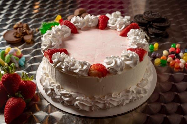 Sweet Cream Cake with Strawberries