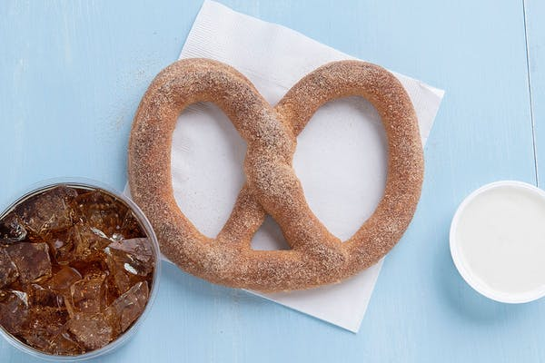 Cinnamon Sugar Pretzel Bundle