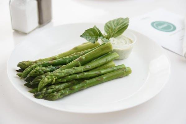 Asparagus with Tarragon Garlic Sauce
