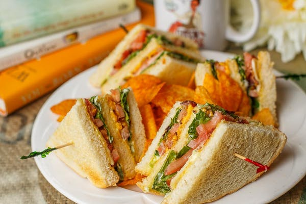 BLT Grilled Cheese Club